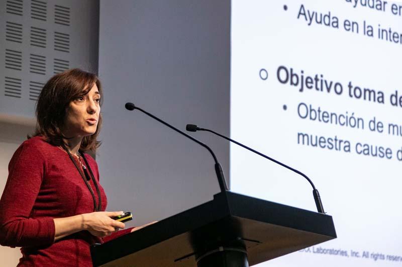 Esther Torrent (Lab. IDEXX). Curso Infecciones Oculares Casos clínicos. Foto: J. Casanova
